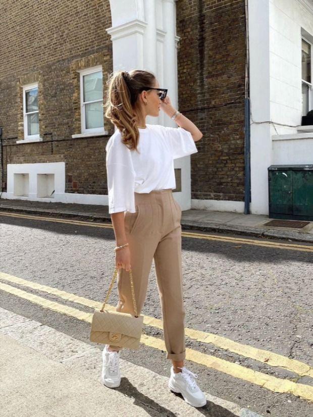 Tenis a la oficina: ¿cómo llevarlos con total estilo?
