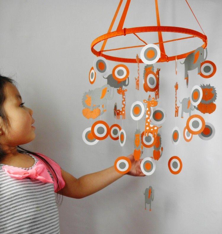 Mobile Selber Basteln Papier baby mobile selber basteln papier orange grau afrikatiere motive