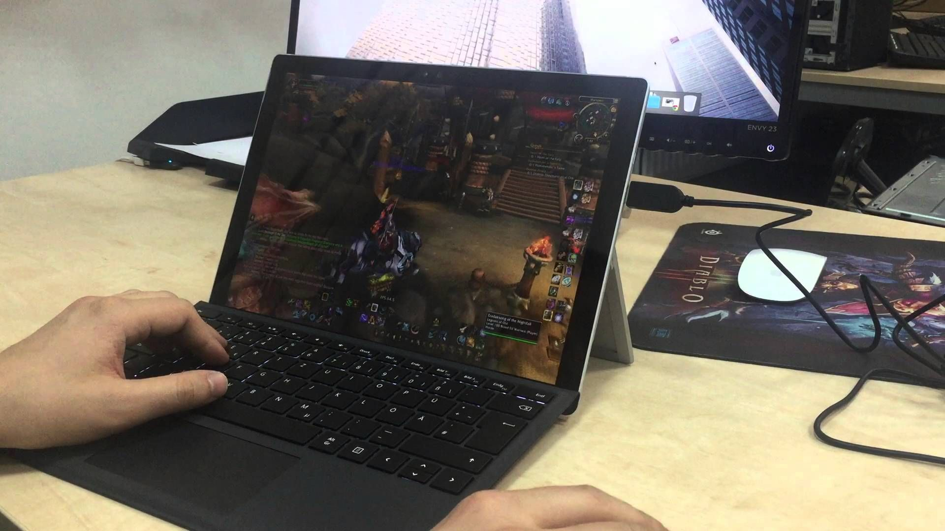 amazing Surface Pro 4 - World of Warcraft gameplay | World