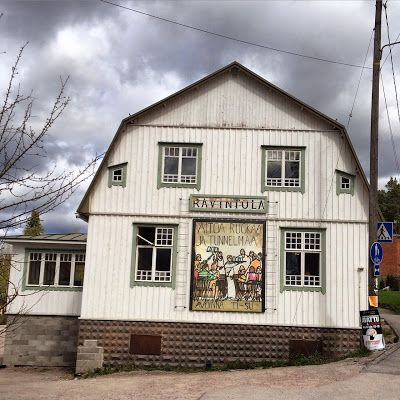 Mukavalla alueella: Ravintolalöytö: Menneen ajan tunnelmaa Espoossa --- https://www.facebook.com/pages/Caf%C3%A9-Brunnsdal/199794953371185 .