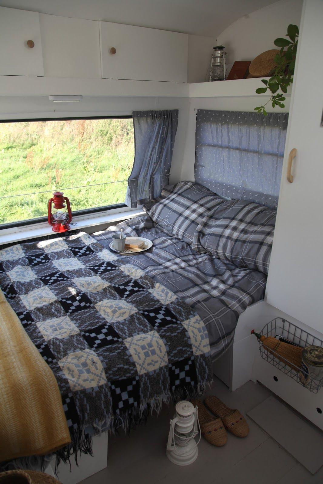 pin von monika radics auf caravans pinterest wohnwagen campingbus und wohnmobil. Black Bedroom Furniture Sets. Home Design Ideas