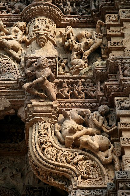 Fine stone carvings of one of the four gates of Dabhoi (Gujarat, India)