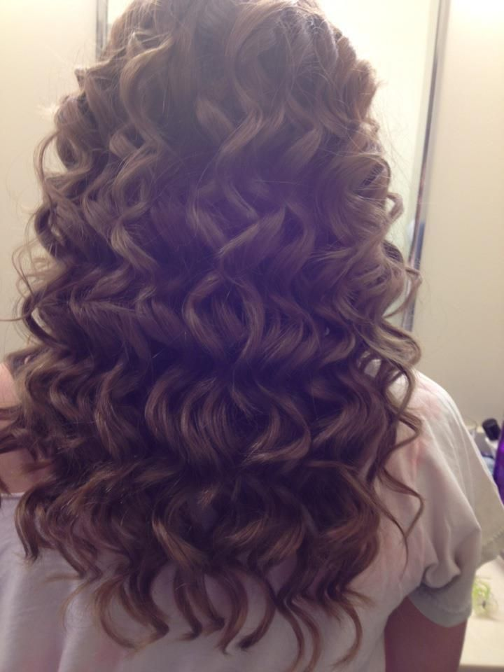 Soft Brown Curls - Hairstyles and Beauty Tips