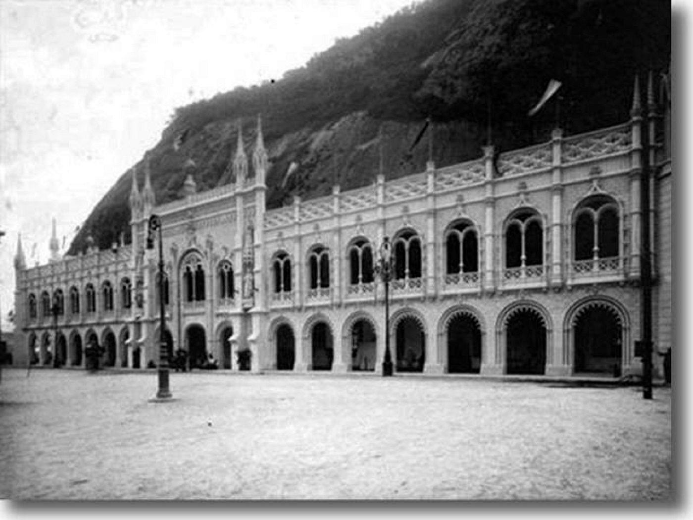 Praia da Saudade (atual Praia Vermelha), 1908.  http://www.urca.net/fotos.htm