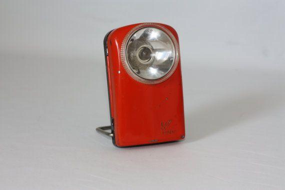 Adorable Lampe De Poche Orange Rouge Concue Par Wonder 1960 Orange Adorable Vintage