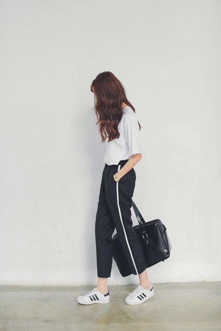 Black Loose Pants With White Stripe White Shirt Adidas