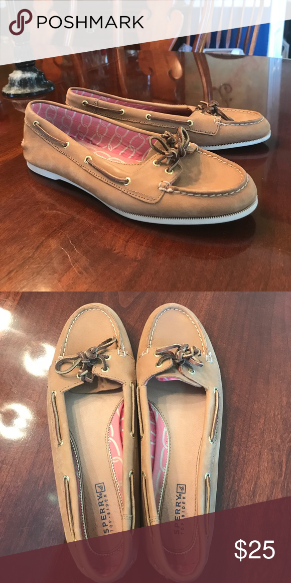 591e87fa1a Women s Sperry Topsiders Cute tan leather Sperrys with the shorter tongue.  Only worn several times