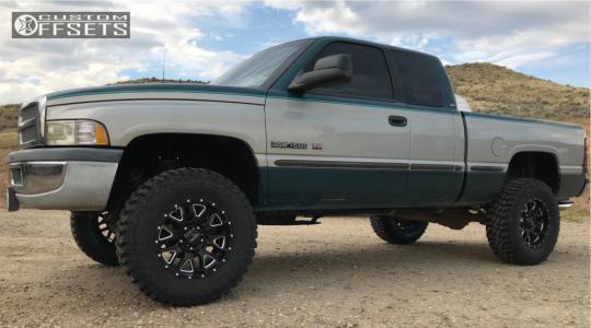 1998 Dodge Ram 1500 Ultra Hunter Cooper Discoverer Stt Pro Dodge Trucks Ram Dodge 1500 Dodge Trucks