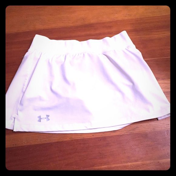 Excellent condition Under Armour tennis skirt Excellent condition Under Armour tennis skirt Under Armour Skirts
