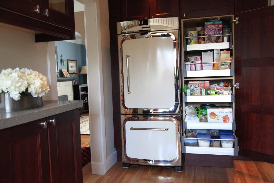 High Quality Jenu0027s Vintage Modern Kitchen With A Heartland Refrigerator And IKEA  Pull Out Pantry.