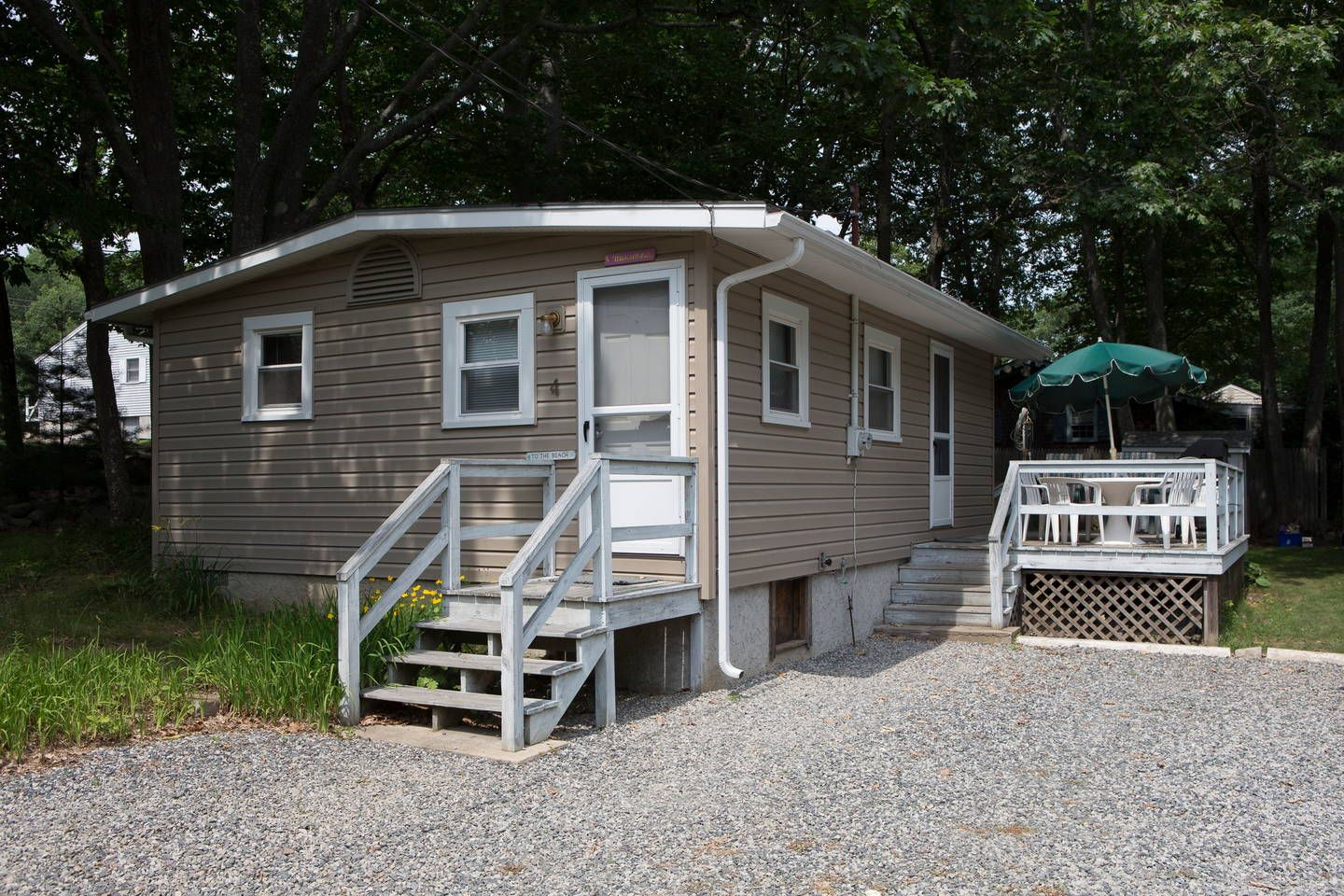 House In York United States Five Minute Walk To Long Sands Beach Cottage Is On A Charming Unpaved Road Quiet Neighborhood Of Small Vintage