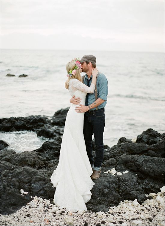 Big Island Wedding Venue: The Puakea Ranch #hawaiianwedding #destinationwedding #weddingchicks http://www.weddingchicks.com/2014/04/23/destination-hawaiian-wedding/