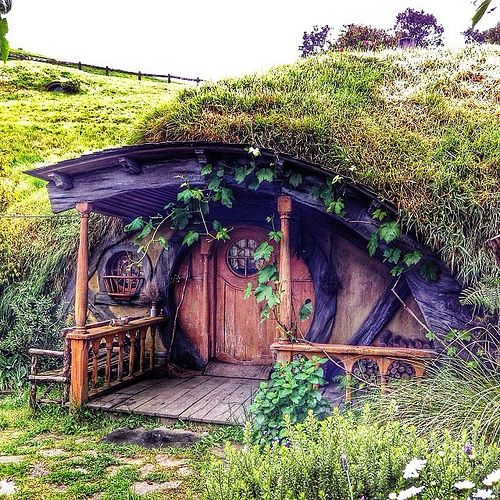 Hobbit House Shed: Got To Check Out Some Hobbit Holes I Don't Normally See
