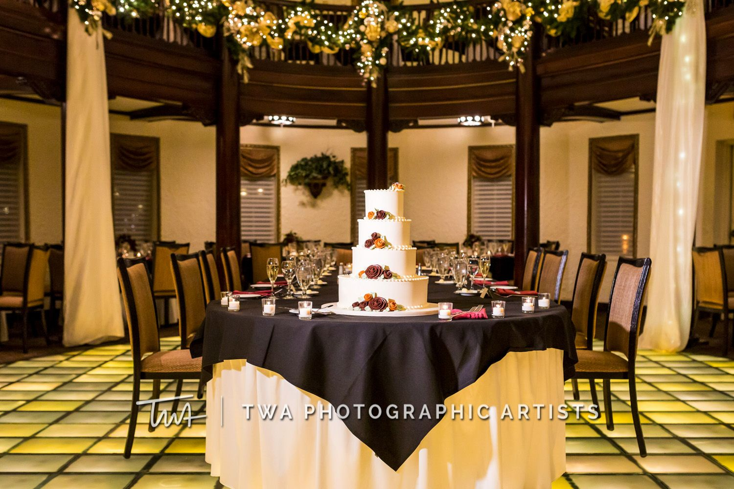 Twa Weddings At Hotel Baker Click The Picture To Visit Our Website Chicago Wedding Photographic Artist Twa
