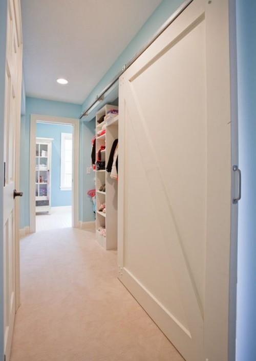 Les élégantes penderies avec portes coulissantes, simple et pourtant