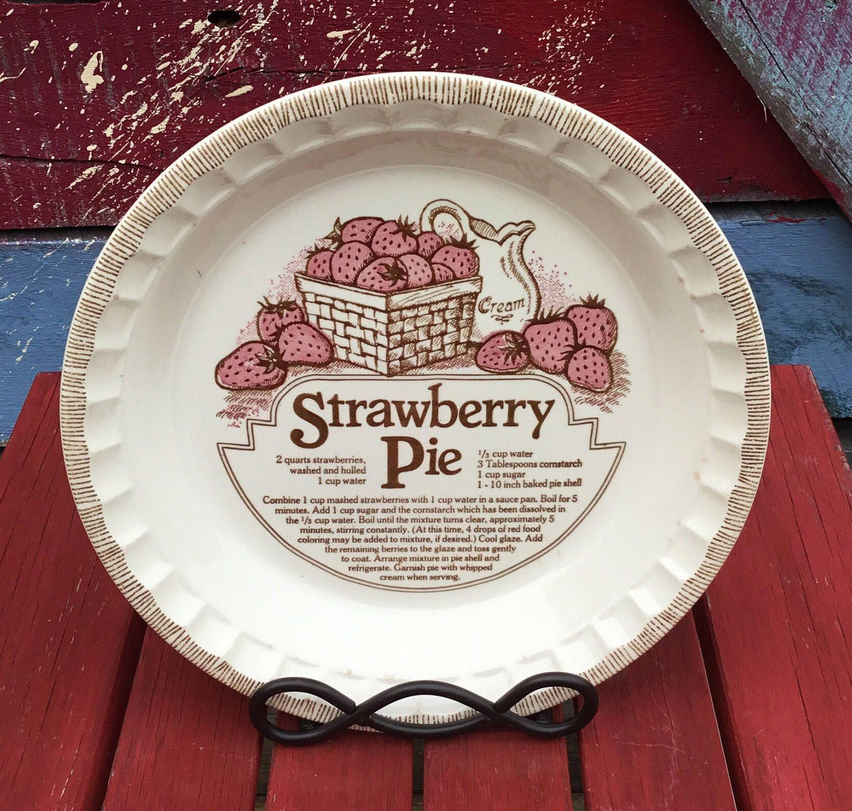 1980\'s Vintage Royal China Strawberry Pie Plate by Jeanette Corp ...