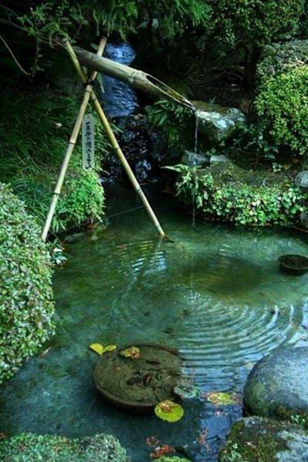 d coration de jardin avec une fontaine pour bassin fontaine en bambou bassin de jardin et bassin. Black Bedroom Furniture Sets. Home Design Ideas