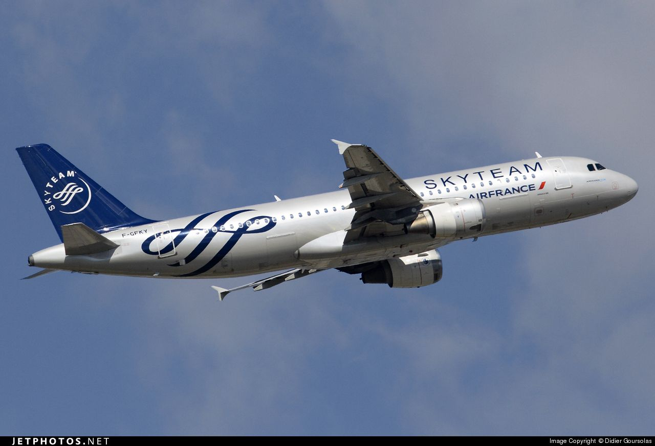 Photo of F-GFKY Airbus A320-211 by Didier Goursolas