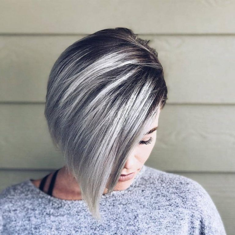 Layered Frisuren Bob Kurze Haare 2020 In 2020 Farbe Fur Kurzes Haar Bob Frisur Grau Haare