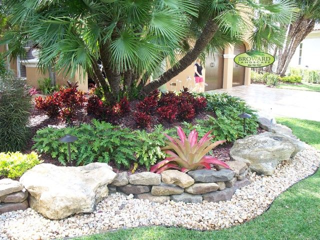 Rock yard landscaping no grass front yard ideas for Florida landscape ideas front yard
