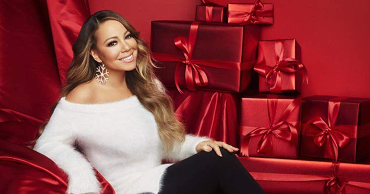 Countdown To Christmas Mariah Carey Just Launched Her Holiday Must Haves On Amazon And We Want Everything In 2020 Mariah Carey Mariah Carey Photos Mariah
