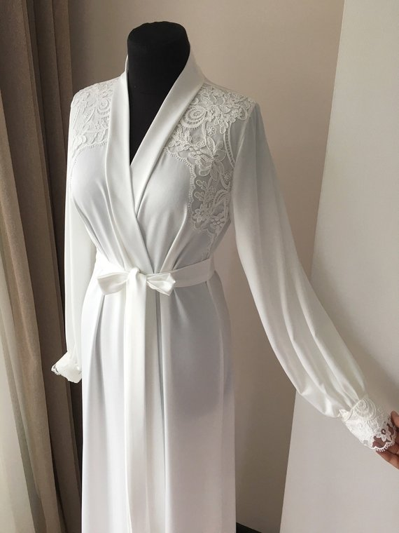 20df1c1a8a4 Long bridal robe with lace