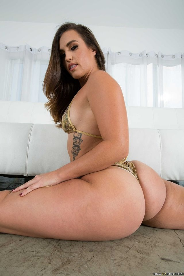 Bad girls nude club having sex