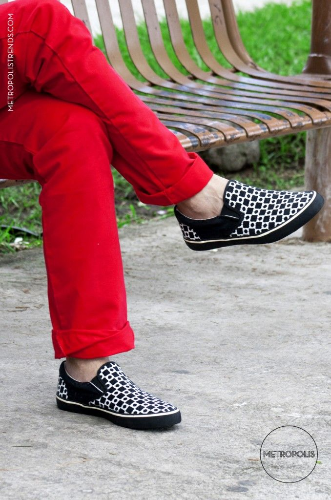 SLIP-ON VANS...[EN AVE.LA REVOLUCION]Metropolis Trends / Street Fashion www.metropolistrends.com