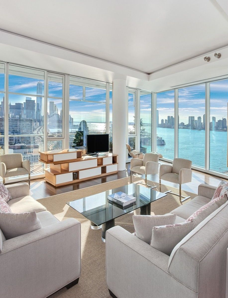 this nyc condo offers penthouse views for a fraction of the price tr ume wohnen und inspiration. Black Bedroom Furniture Sets. Home Design Ideas