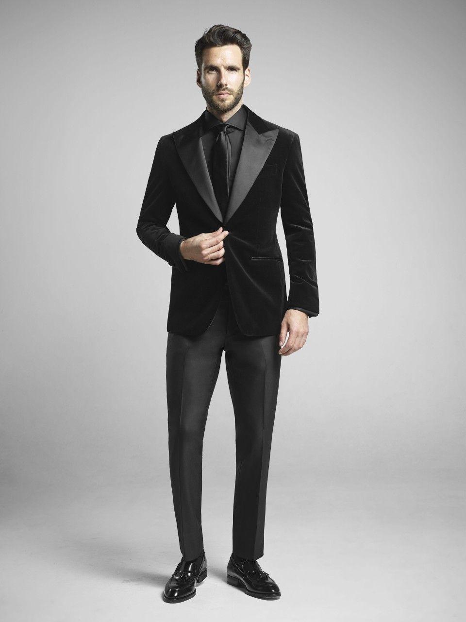 Pin By Sachin C Hubli On Suits Formal Men Outfit Black Velvet Suit Mens Outfits [ 1281 x 960 Pixel ]