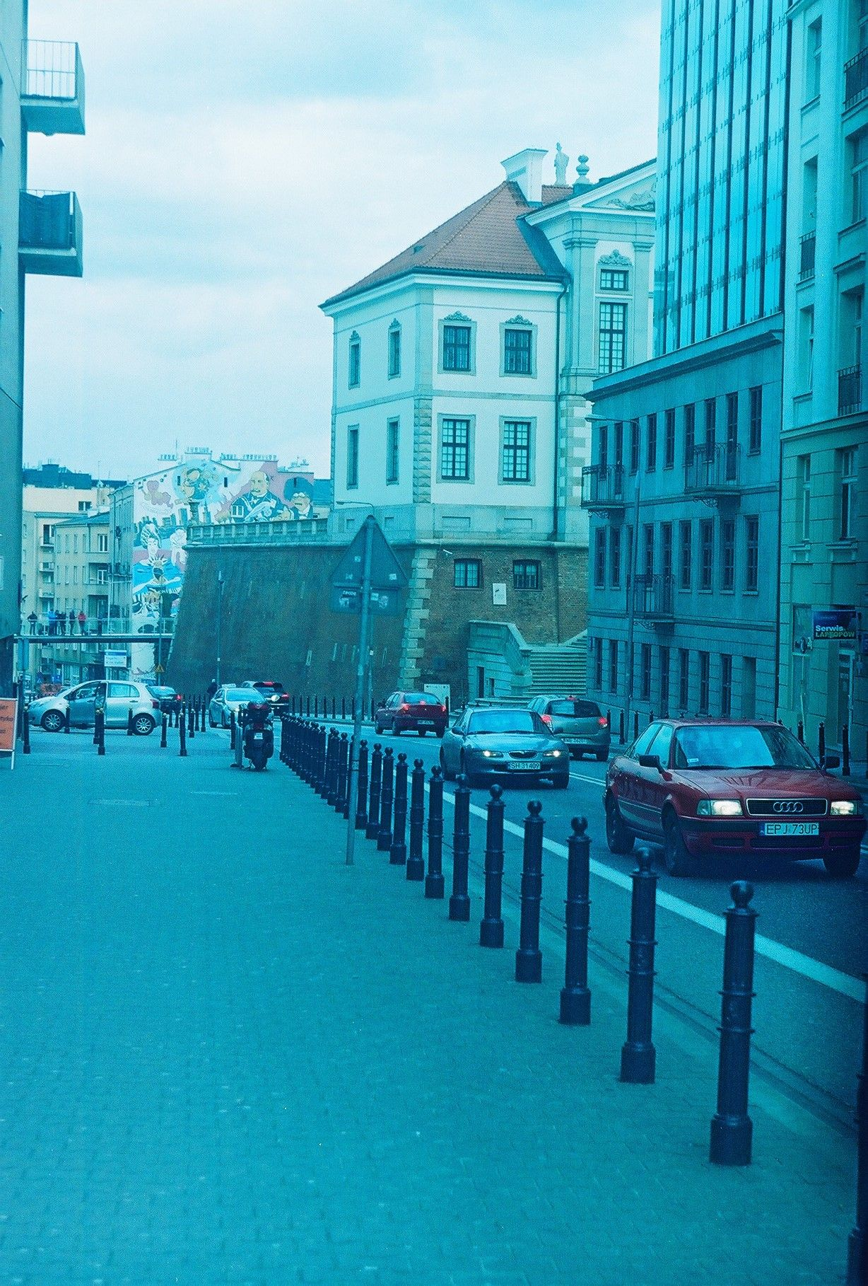 #warsaw #poland #oldcity #streets #downtown #architecture #inspiration #longwalks #zenit #35mm #плівка