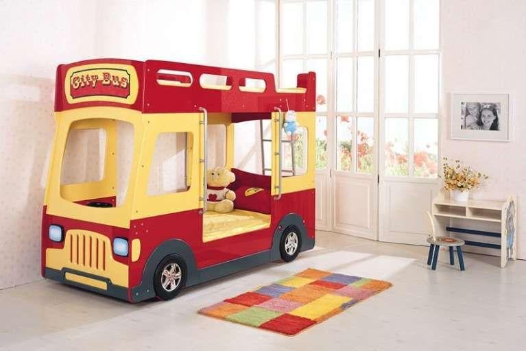 Letto A Forma Di Automobile : Letti per bambini a forma di macchina nel letto bimbo a bus
