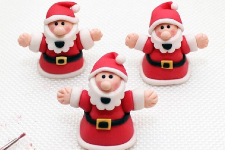 Un Modèle De Père Noël Fimo Pâte à Sucre Pâte D Amande