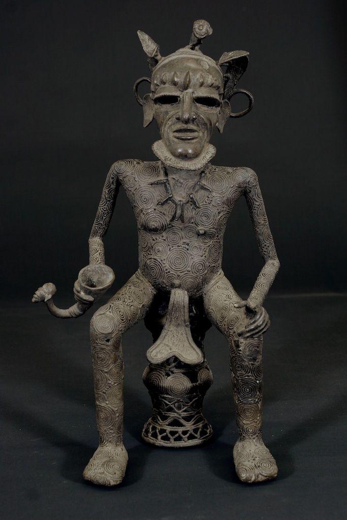 jefe sentado   La curva del Níger   Arte africano, máscaras africanas, joyería africana, artefactos africanos   curva del Níger