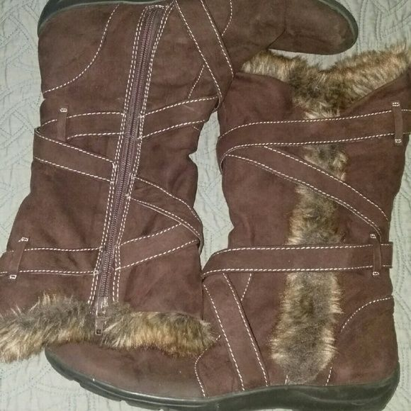 Natural Soul brown boots..by Naturalizer Fur lining, strappy, zipper sides. Great for running errands, traction bottom for snowy weather. Never worn Naturalizer Shoes Winter & Rain Boots