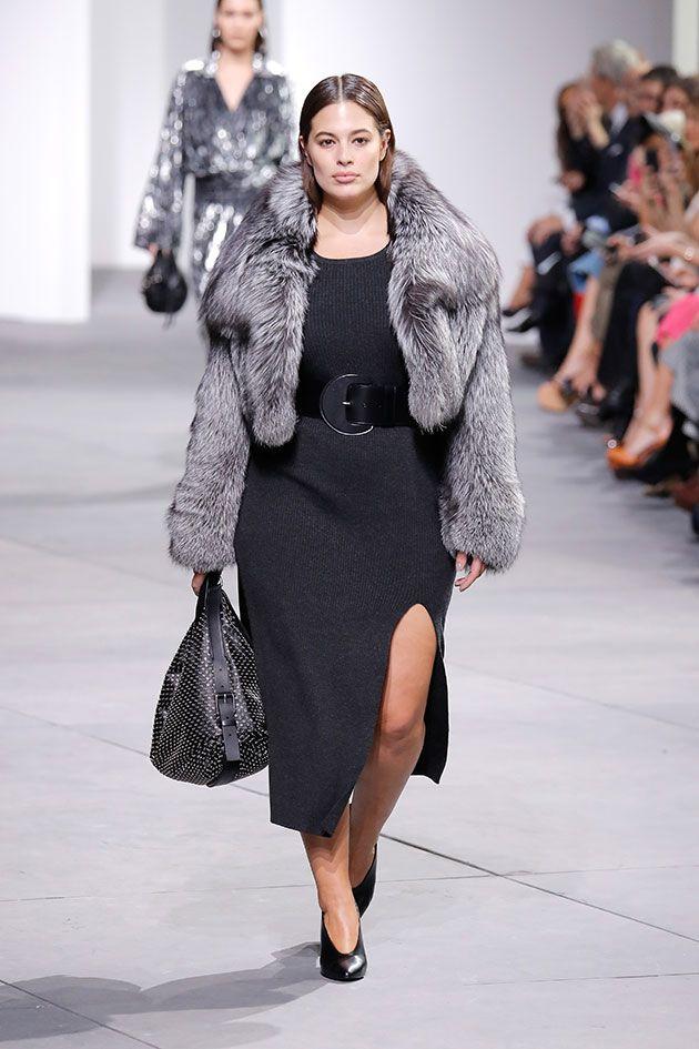 Michael Kors focou suas inspirações da coleção de outono-inverno 2017 18  apresentada na Semana de Moda de NY em mulheres fortes e sensuais. 96d24f55ec
