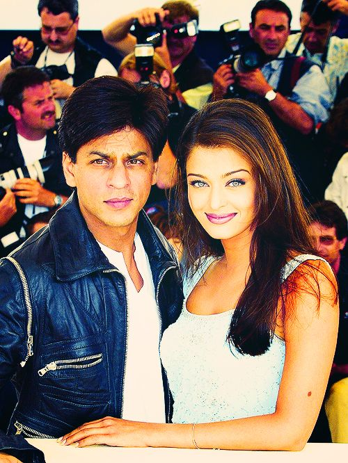 It Doesn T Get Much Bigger Than This Srk Shahrukh Aishwarya Bollywood Bollywood Celebrities Bollywood Actors Bollywood
