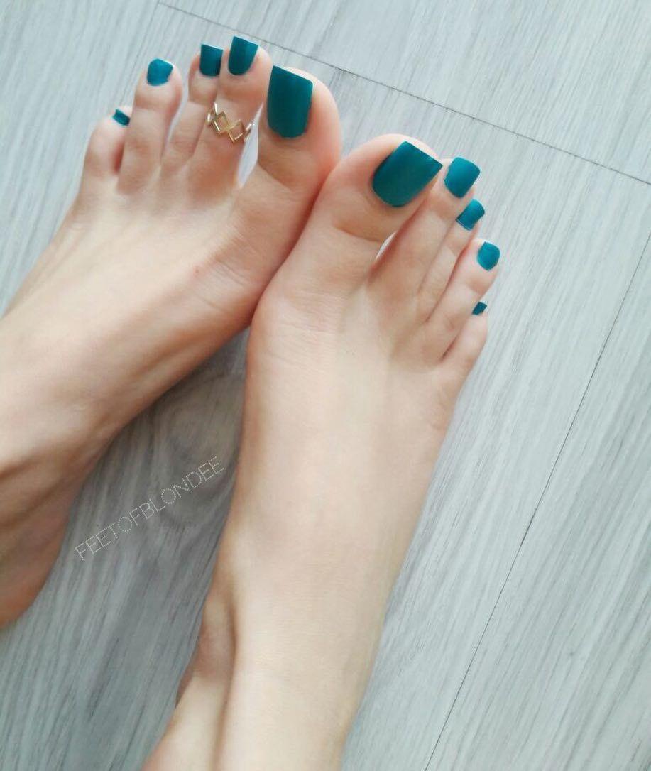 Foot fetish tube-9863