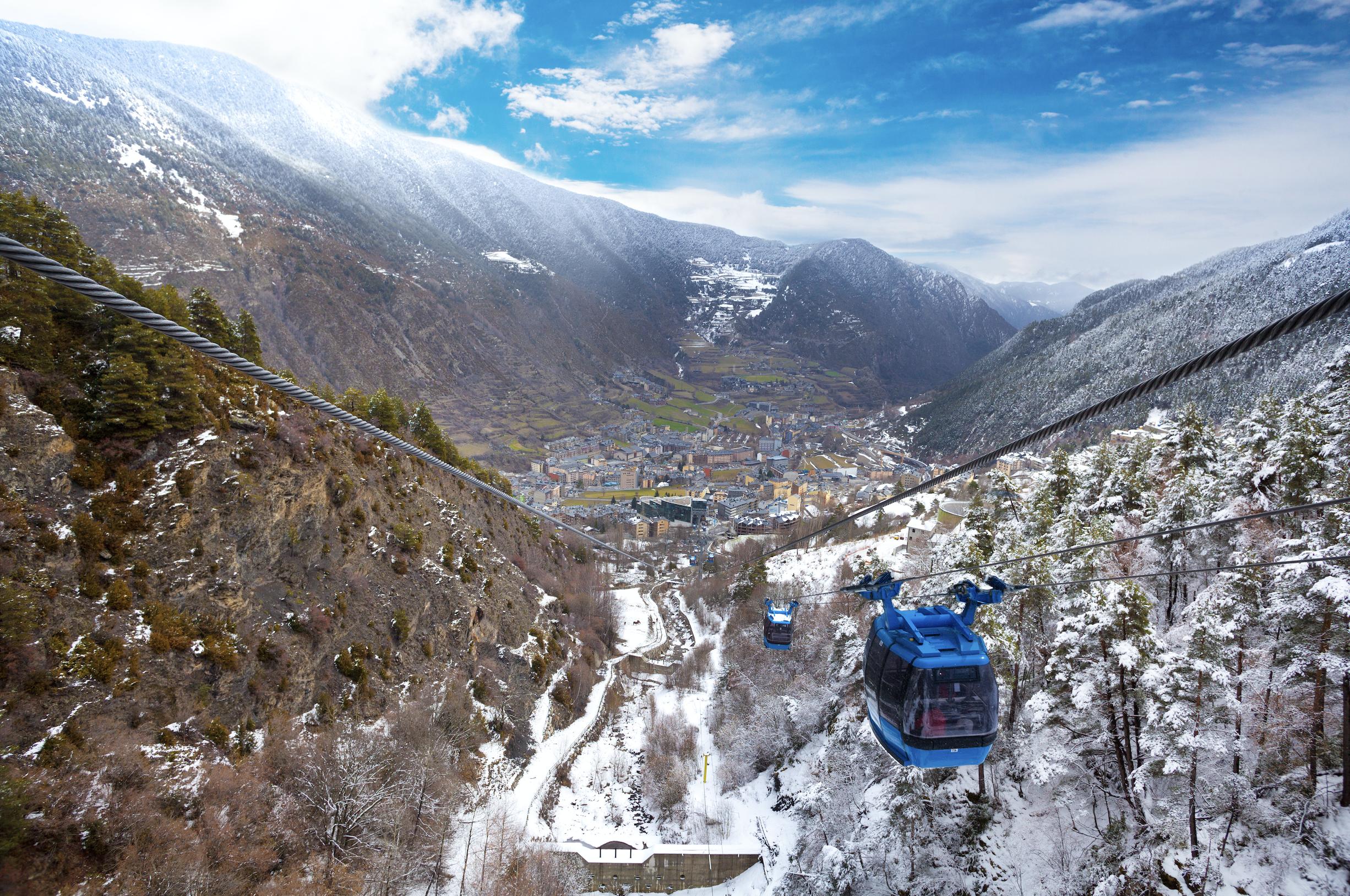 Bon Divendres Una Escapadeta A Les Pistes Aquest Cap De Setmana Guiand Andorra Guiandandorra Guiaturistica Turismeguaind Temporadas Cabinas Bona