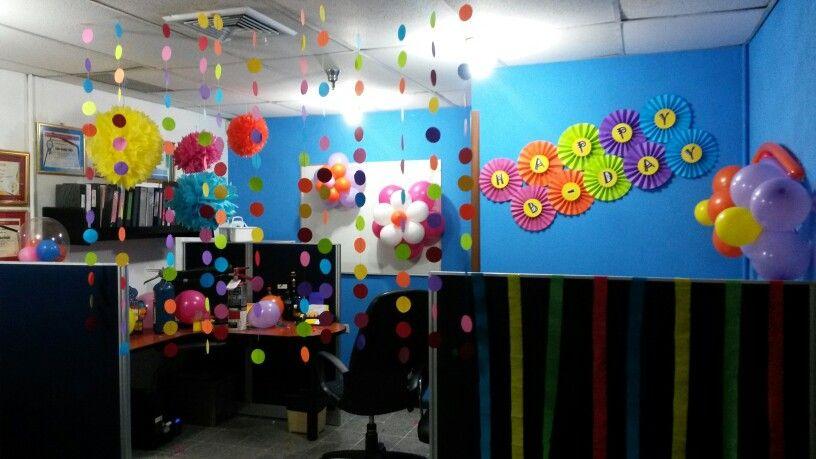 Pompones abanicos bombas cortinas guirnalda oficina happy - Cortinas para oficina ...