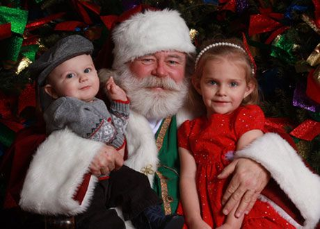 Enjoy a FREE 5x7 Picture With Santa AT WalMart