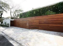 Google Image Result for http://www.hahoy.com/wp-content/uploads/2011/04/arthur-casa-wooden-fence.jpg