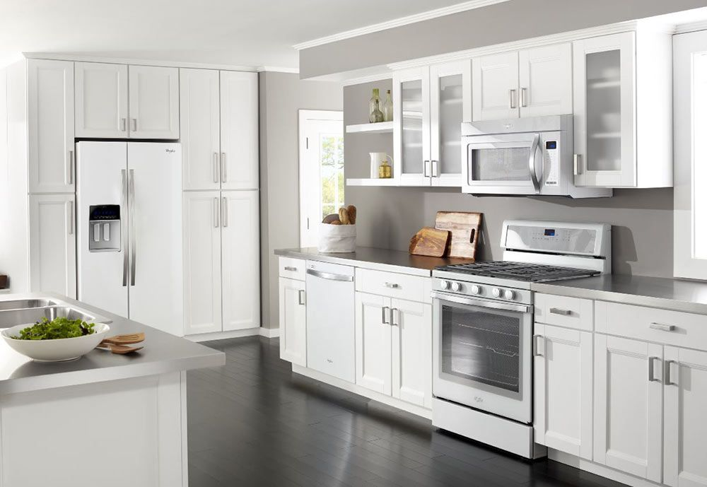 Whirlpool White Ice Appliances Another Nice Choice For A Vintage Or Midcentury Style Kitchen Kitchen Suite White Kitchen Appliances Outdoor Kitchen Countertops