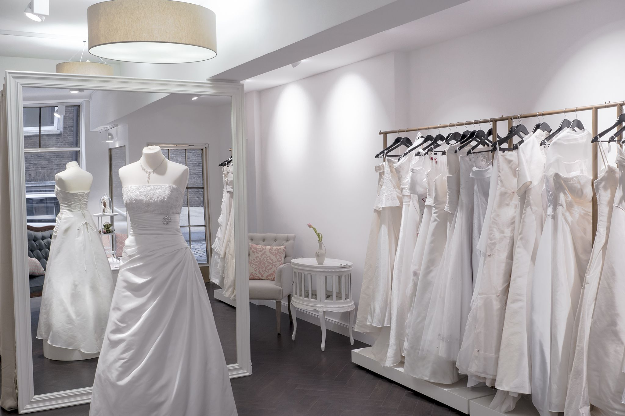 Wedding dress consignment shops near me  Imagine similară  DIPLOMA  Pinterest  White gowns and Shopping