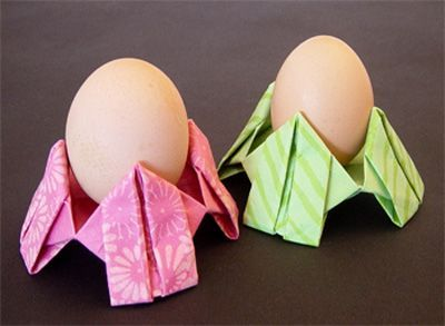 origamipage eierbecher ostern origami eierbecher und origami anleitungen. Black Bedroom Furniture Sets. Home Design Ideas