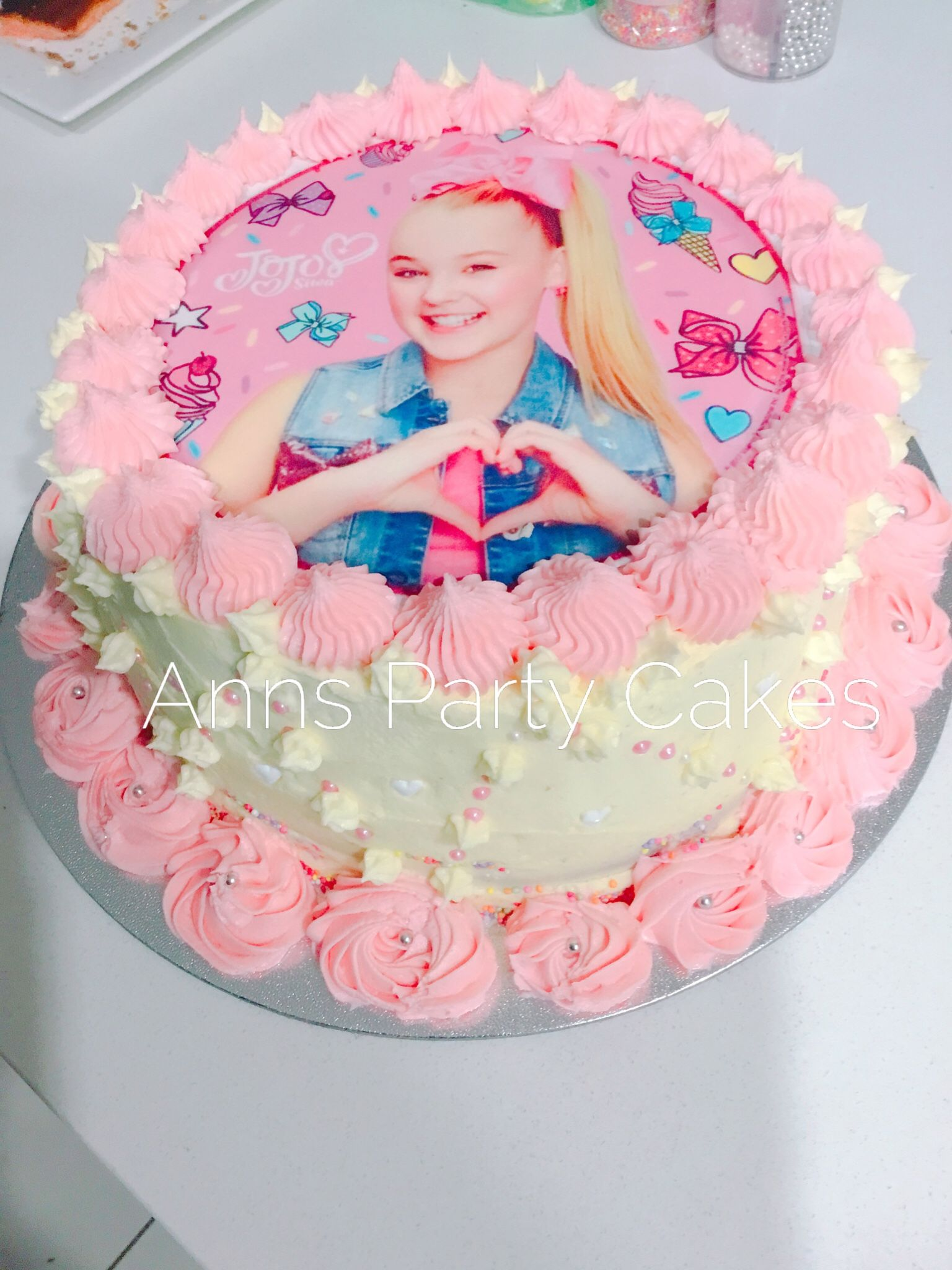 Jo Jo Siwa Cake Decoration Jojo Siwa Party Cake With Images