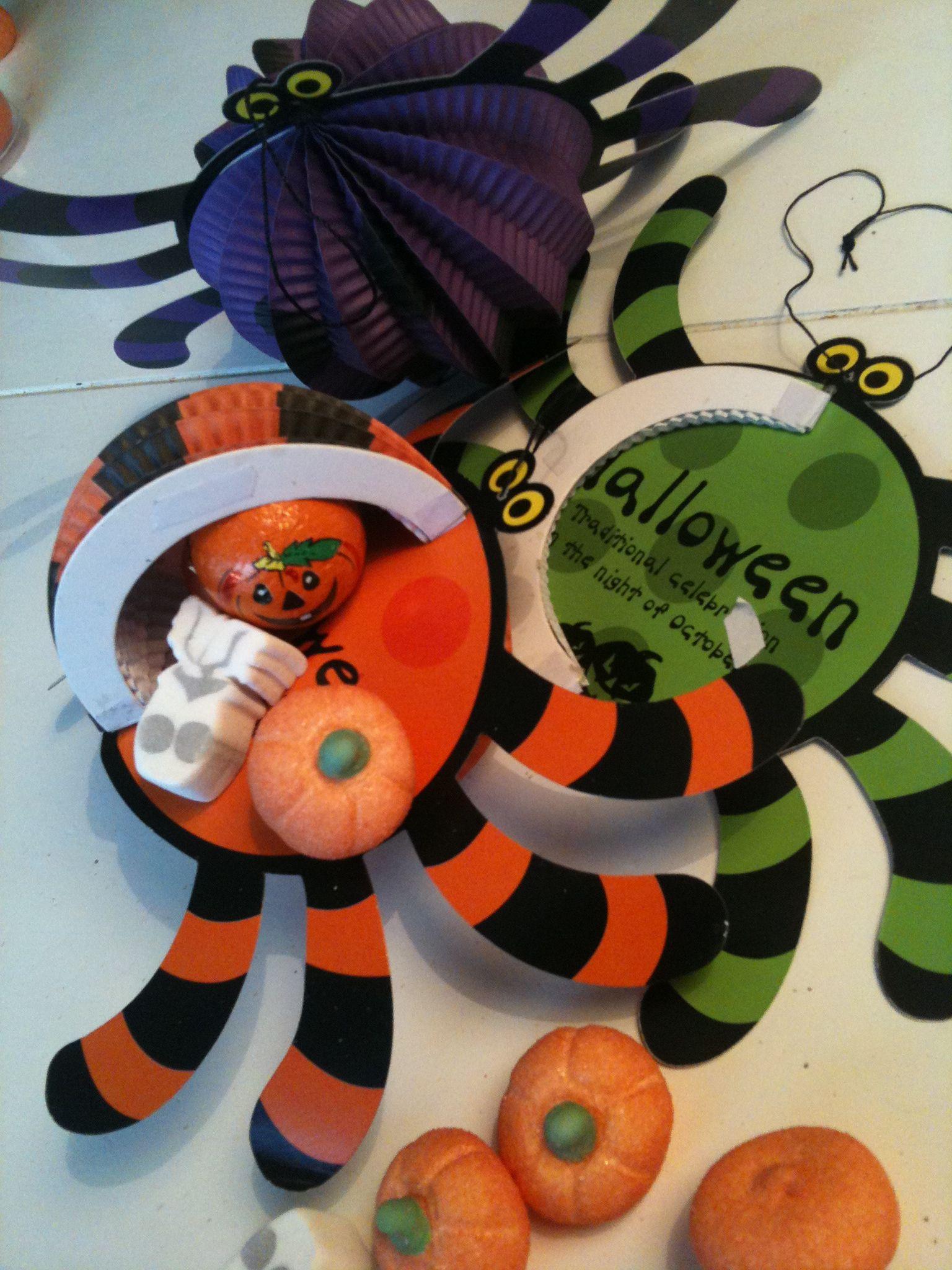 Halloween Jamin.Uitdelen Rond Halloween Xenos Spin Gevuld Met Halloween
