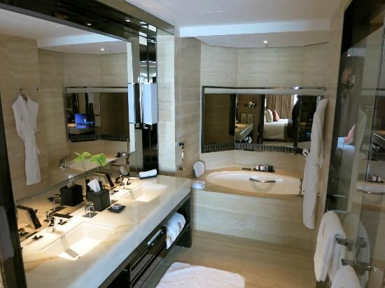 ritz carlton bathroom | The Ritz-Carlton, Hong Kong Photo ...