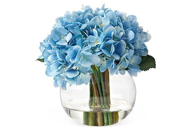 #blue #flowers #tableflowers