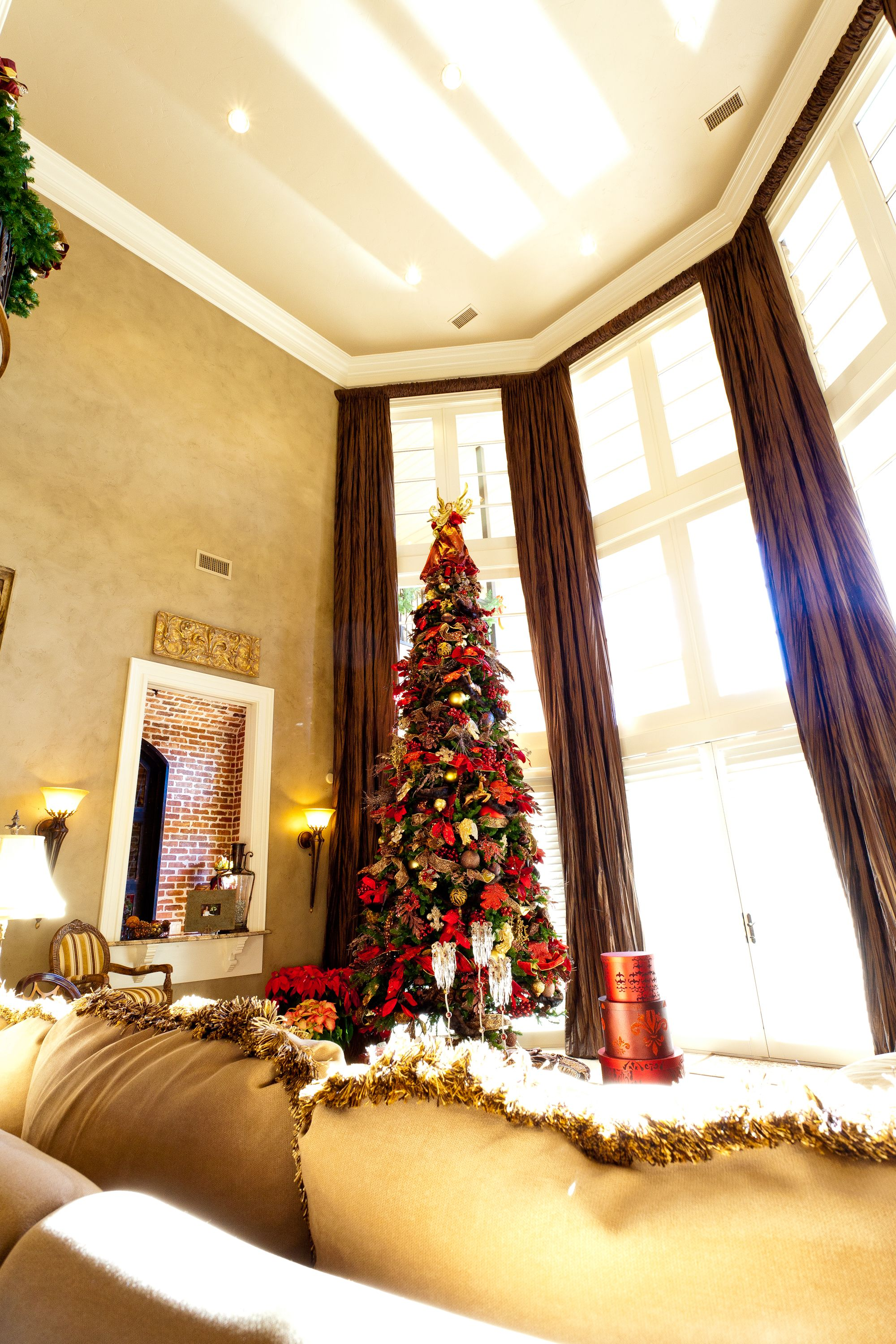 Show Me Decorating Towering Magestic Tree